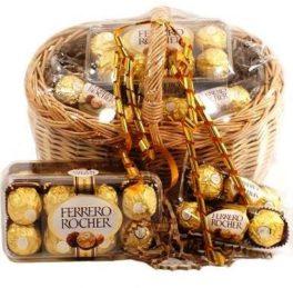 Cesto Natale con Ferrero Rocher cioccolatini