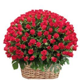 Cesto di fiori freschi composizione con 300 bellissime Rose Rosse