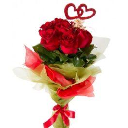 Bounquet con sette rose rosse