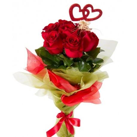 Bouquet con sette rose rosse