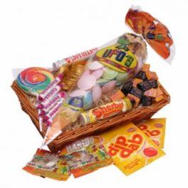 Cesto regalo confezione con caramelle miste