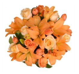 mazzo di fiori color albicocca