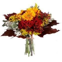 Mazzo di fiori rossi e arancioni