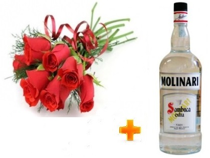 Mazzo di rose rosse con liquore molinari