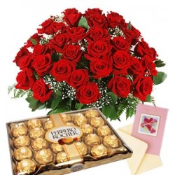 Bouquet con 25 rose rosse escatola di ferrero rocher