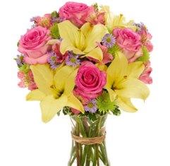 Bouquet con rose rosa e lilium gialli