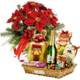 Cesto per Natale con poinsettia rossa e mix prodotti natale dolci e salati