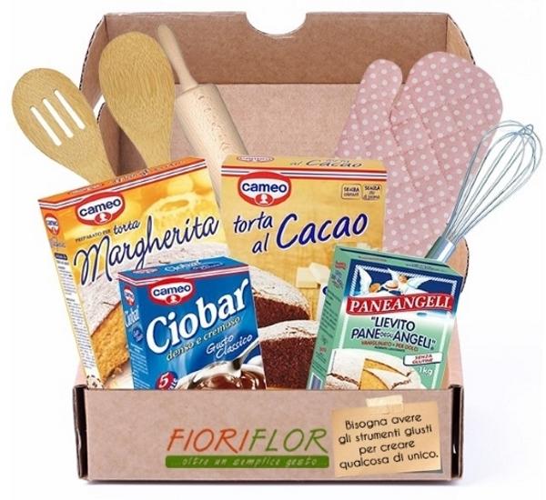 pacco regalo con preparato per torte guanto da forno cioccolata calda