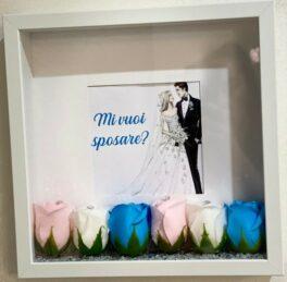 quadro mi vuoi sposare con rose di saponequadro mi vuoi sposare con rose di sapone